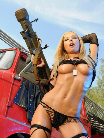 actiongirls-kasia-poses-sexy-in-fron-of-a-red-truck