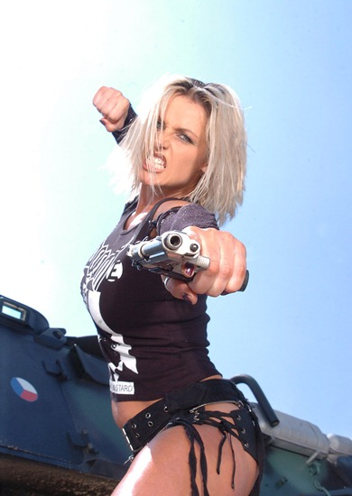 heavy_metal_babe_on_action_girls